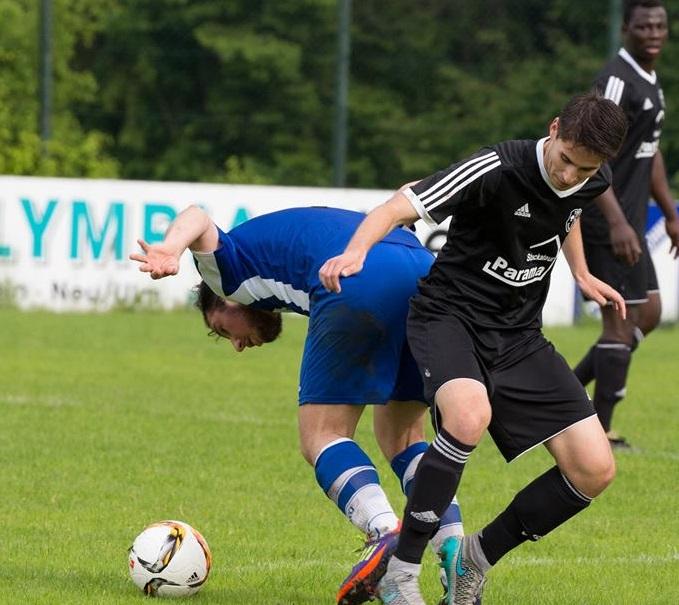 Wie hier gegen TSV Mittelfeldmann Jannick Schmidt kamen die Herrlinger nur selten ins Straucheln.